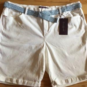 GLORIA VANDERBILT White Jean Shorts 24W-NWT